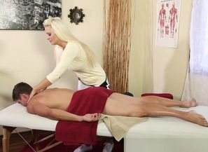 Big-titted masseur sixtynining tricked..