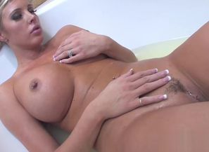 Samantha bath tub intercourse with..