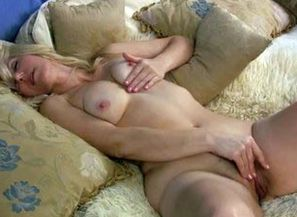 Wondrous mature stunner in couch..