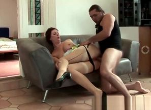Softcore mature bitch gets oral from..