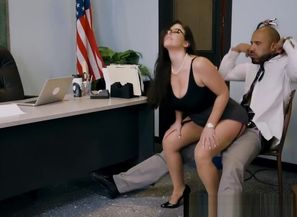 Brazzers - Huge Titties at College -..